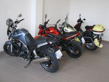 úschova motocyklů